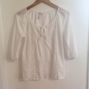 Alya whit floral lace shirt size small